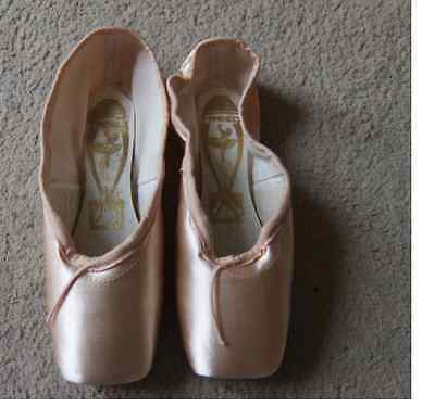 Pink Satin Freed Classic pointe shoes - Size 6X  6XX,  6XXX - all makers