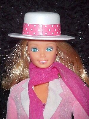 1984 DAY TO NIGHT BARBIE with COMPLETE OUTFIT & SHOES loose minty