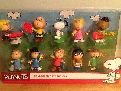 Nib Peanuts Collector's  10 Figure Set Charlie Brown And Friends