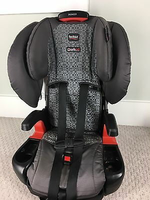 Britax Pioneer 2015 Combination Harness-2-Booster Car Seat Domino SafeCell