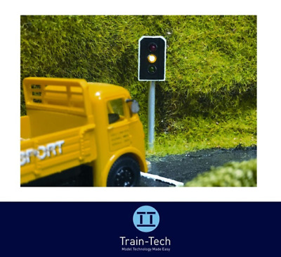Train-Tech TL10 Single Working & Non-Lit Dummy Traffic Lights OO/HO Gauge