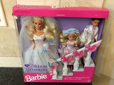 Dream Wedding BARBIE comes with BARBIE, Stacie and Todd MATTEL 10712