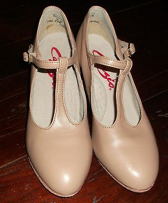 Capezio 5 M caramel character dance shoes tan style 750 Jr. Footlight t-strap 2""