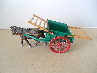 Britains Green Tumbrel Cart With Horse.1:32 Scale