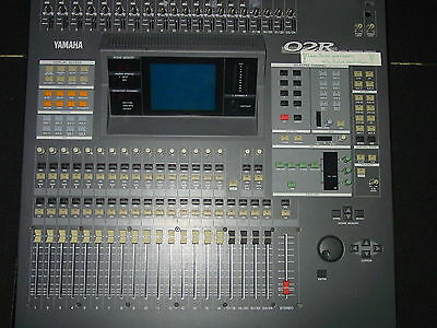 Yamaha O2R V digital/analog Audioswitcher 24/8/2 + 4x CD-AE-S