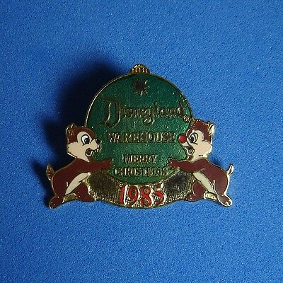 Chip and Dale Disneyland Warehouse Merry Christmas Green Disney Pin LE 300 RARE