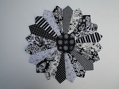 Quilt Dresden plate patchwork applique block panel 100% cotton black and white