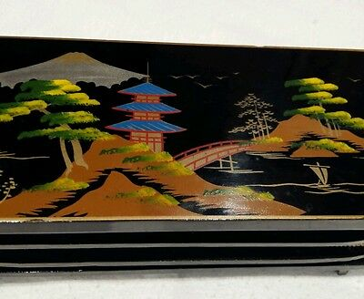 VINTAGE Beautiful Black Lacqueur Wood Traditional Hand Painted Musik Jewelry Box