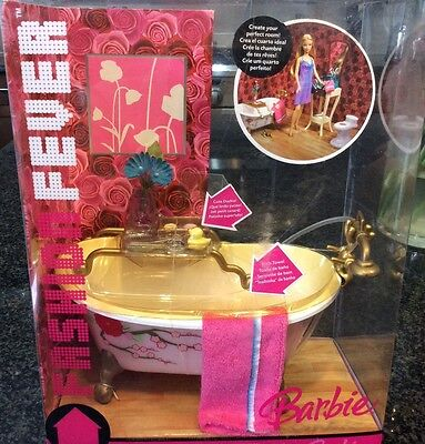 FASHION FEVER BARBIE CLAW TUB AND MORE Mattel 2006