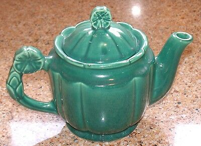 VG Vintage 1940s era Shawnee Rosette Teapot Green w/1 Chip On Rosette Lid Handle
