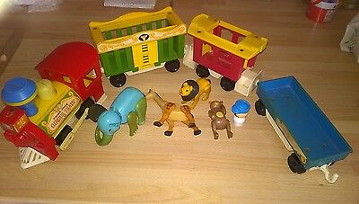 FAB RARE VINTAGE c1970s FISHER PRICE CIRCUS TRAIN WITH ANIMALS & PLAY FIGURE