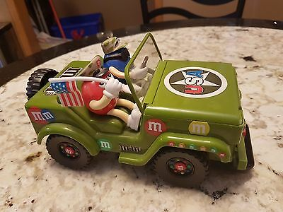 Vintage 2003 M&m Collectible Usa Army Jeep With Two Figures