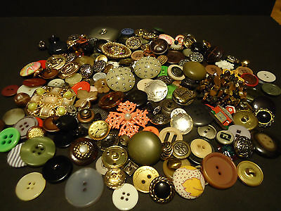 Big Lot of Vintage Assorted Sewing Buttons Buffalo Nickel DsQuared Snap Backs