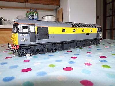 Heljan O gauge Class 33 Civil Engineers Dutch livery excellent used condition..