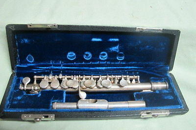 Bundy Piccolo ~ Beautiful Silver ~ with Hard Case