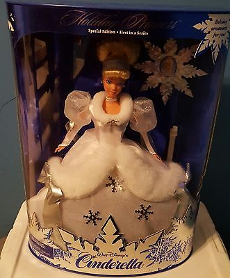 Disney Cinderella Holiday Princess Barbie Special Edition 1996
