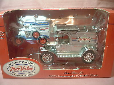 ERTL 2-Piece Set 1913 Model T Ford Delivery Van True Value Coin Bank 1:43 & 1:25