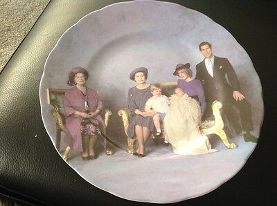"""ROYAL FAMILY """" 4 generations """" fenton china england diana  queen,mother  Charles"""
