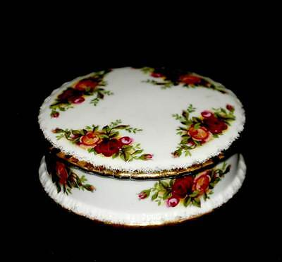 Vintage Royal Albert Old Country Roses pretty lidded powder bowl
