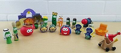 LOT: 9 Veggie Tales Mixed Figures/Toys/Cake Toppers GC