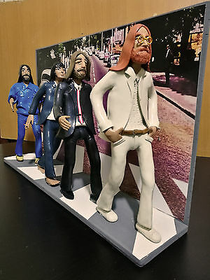 Statuina - Statuetta - Action Figures The Beatles con scenografia Abbey Road
