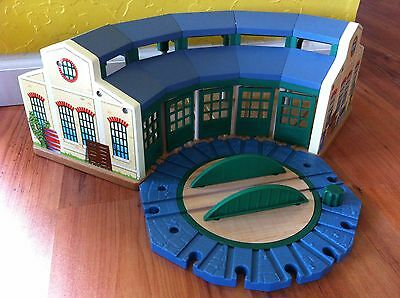 Thomas the Tank Wooden Tidmouth Roundhouse Engine Shed Excellent 2012 WB