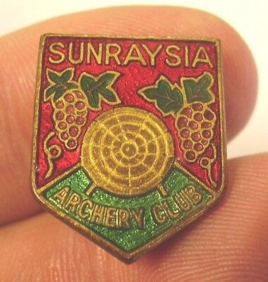 Vintage Sunraysia Archery Club Member Badge Luke