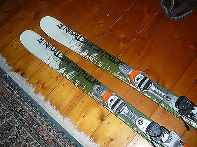 """Dynastar twin tip skis 155cm""""NOTHING BUT TROUBLE""""Rossignol FTX 110 din 3.5 to 11"""