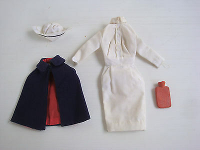 Lot ancien vêtements & accessoires barbie 991 Registered Nurse - vintage doll