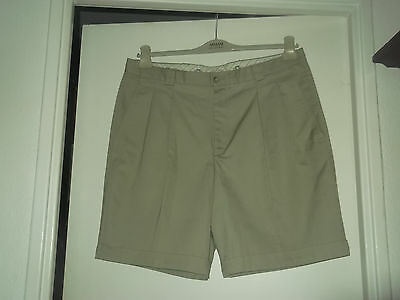Lot 2 Shorts Homme Dont 1 A Pinces Taille 48/50 Tbe!!!