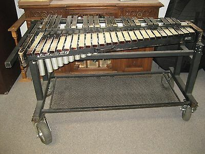 """Ludwig / Musser Xylophone With """"all Terrain"""" Cart (Sold As Is)"""