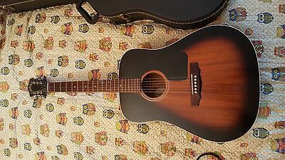 chitarra acustica GUILD made in USA tipo gibson j45