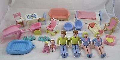 Vintage Fisher Price Loving Family Dollhouse Figure Doll Furniture Mom Dad Baby