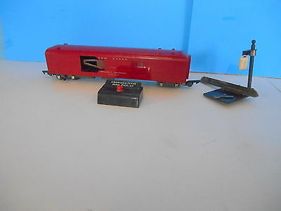 American Flyer S Gauge 718 Operating Mail Pickup Car W/ Stand And Mailbag