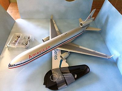 Hobby Master 1/200 McDonnell Douglas MD-11 American Airlines