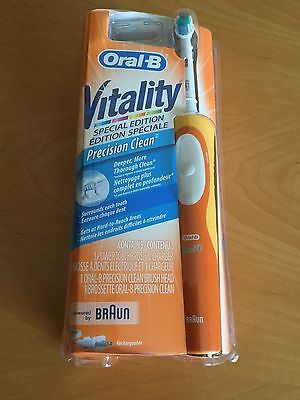 Oral -B Braun Vitality Precision Clean Rechargeable Toothbrush D12513