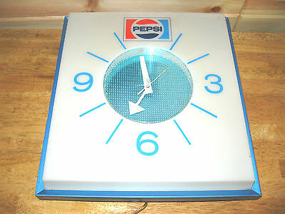 1972 Vintage Pepsi Cola Lighted Wall Clock w/new bulbs & transformer,runs great