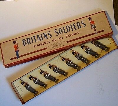 Grenadier Guards - Britains lead soldiers - Original rare boxed set of 8 No 312