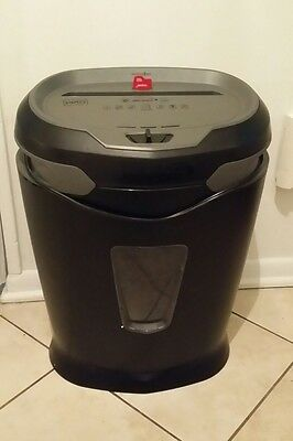 Staples 12-Sheet High-Speed Cross-Cut Shredder with Lockout Key