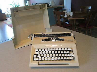 Vintage Smith Corona Courier Portable Manual Typewriter Made in England