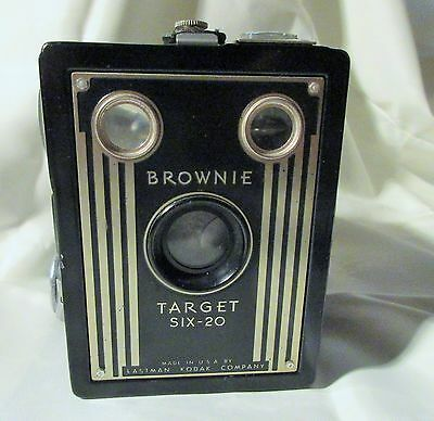 Eastman Kodak Brownie Target Six-20 vtg. Camera Good condition