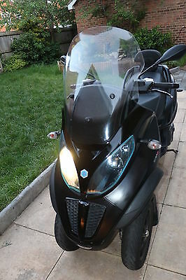 Piaggio MP3 500 Sport Road Runner - Your City Freedom Pass