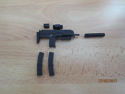 Toys City  1/6  Waffe MP 7  Out of Box