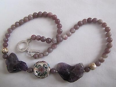 17 1/4'' Amethyst and Lilac Stone necklace