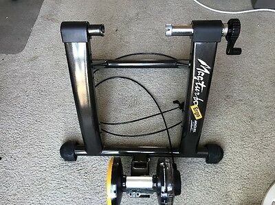 MINOURA MAGTURBO ERGO INDOOR BIKE TRAINER With Remote Cable Control
