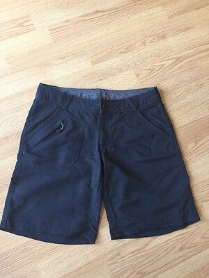 The North Face Size 8 Women's Black Shorts