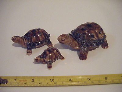 set of three Wade porcelain Turtles 45/70/90mm miniatures