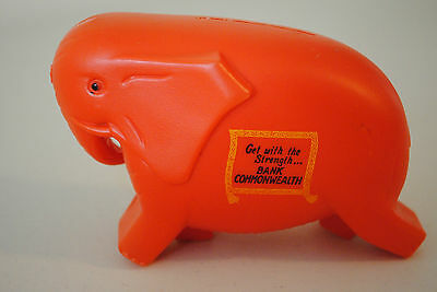 Vintage Commonwealth Bank Red Elephant Money Box Get With The Strength *mint*