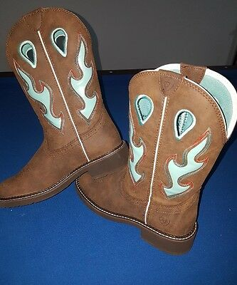 Ariat Fatbaby Size 8B square toe boots BRAND NEW