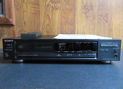 VINTAGE SONY COMPACT DISC PLAYER - MODEL No. CDP-470 inc REMOTE & MANUAL
